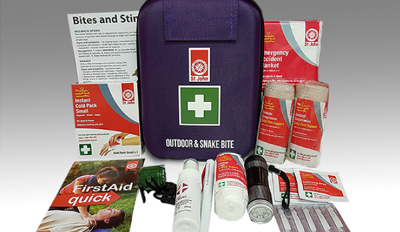 St John Outdoor And Snake First Aid Kit