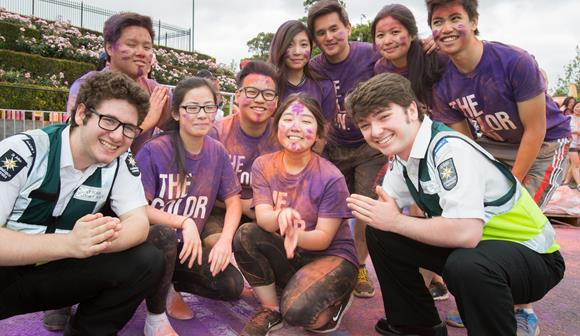 st john first aid volunteers at melbourne colour run event